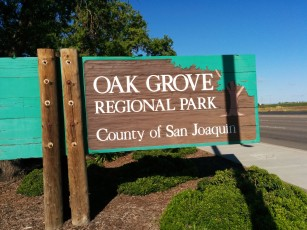 There is only one entrance to Oak Grove Park.